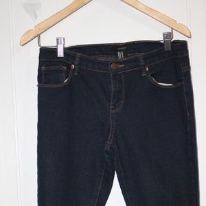 FOREVER 21 LADIES JEANS  28